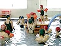 (スクールでの案内・指導)子供に泳ぎやスポーツの…
