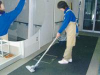 日勤清掃スタッフ