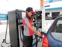 ガソリンの給油、販売(各パーツ等)、