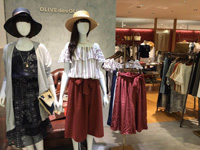 OLIVE des OLIVE(オリーブ・デ・オリーブ)ラブラ万代店の求人情報を見る