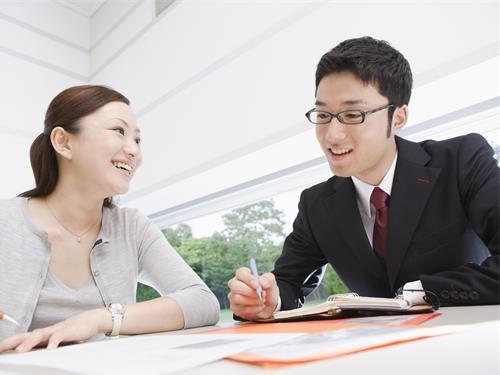 派遣事業を展開している当社で労務管理などを行なって頂きます。