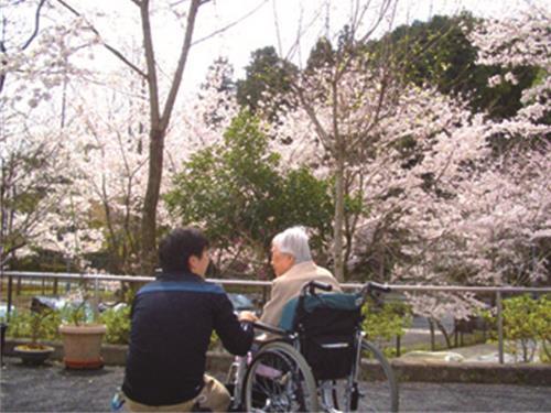 社会福祉法人白百合会 特別養護老人ホーム 増戸ホームの求人情報を見る