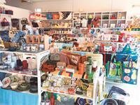 輸入雑貨や輸入アパレルに囲まれての楽しいお仕事!