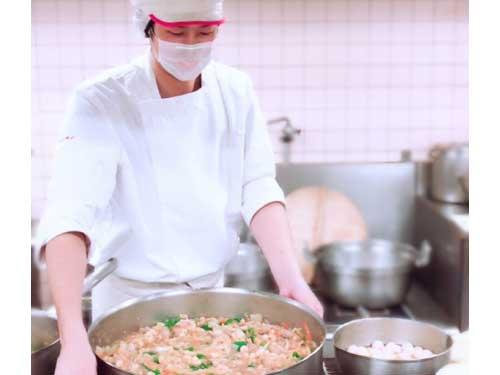 カルビー京都工場_1862_社員食堂調理補助の求人情報を見る
