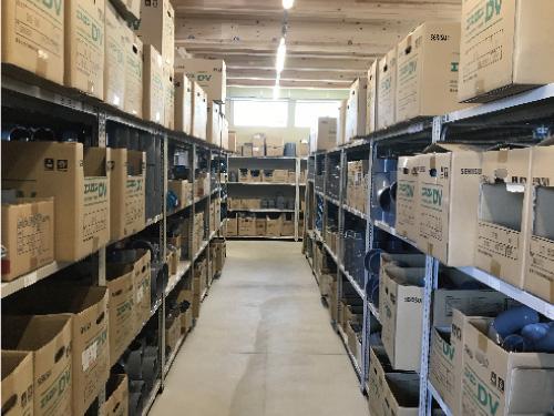配達に必要な資材の保管・管理も行ないます